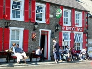 The Bridge Bar & Restaurant Ramelton - local friendly pub for food, drink and craic - The Tanyard Self Catering Apartments, Co. Donegal, Ireland